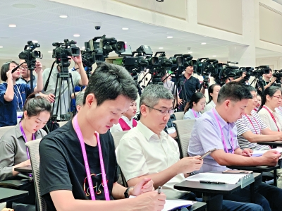 武汉军运会进入百日倒计时火炬传递8月1日开始,在南昌采集火种观赛门票均价50元,最低10元
